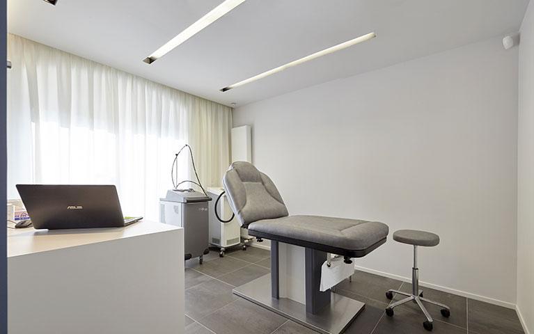 cabinet de dermato. Black Bedroom Furniture Sets. Home Design Ideas