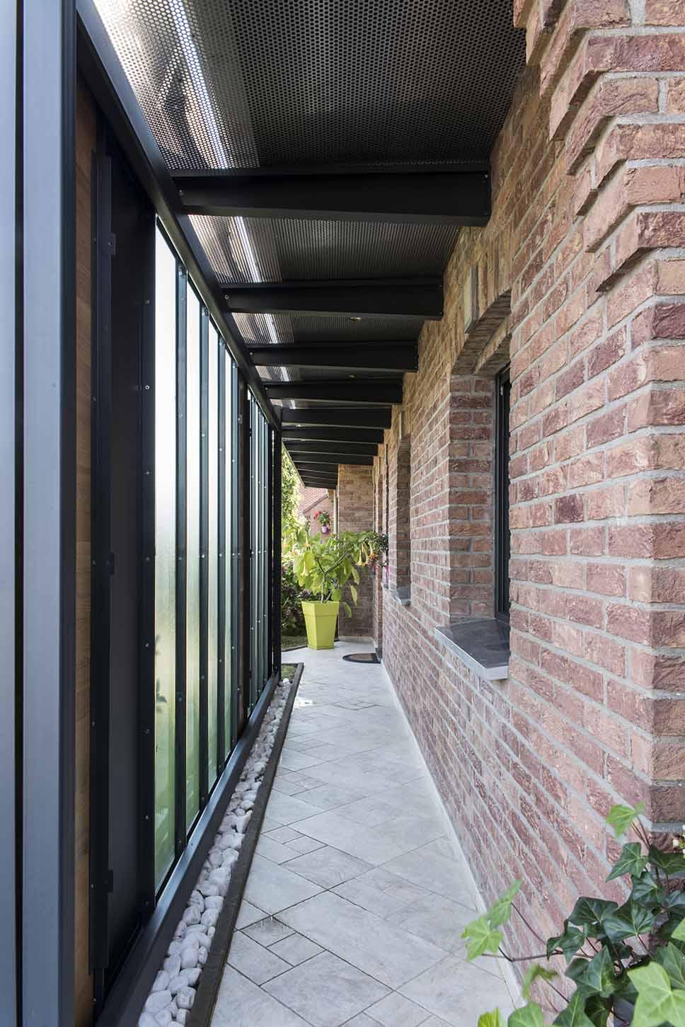 m tamorphose d 39 une maison pavillonnaire pr s de valenciennes architecte lille plux. Black Bedroom Furniture Sets. Home Design Ideas