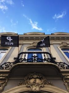 architecte Lille PLUX rénovation et restructuration d'une demeure de caractère maison de maitre cheminée moulure parquet brique chambre hotel gite airbnb décoration intérieur (1)