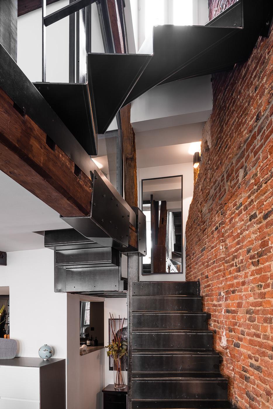 architecte lille PLUX loft industriel vieux lille poutre métal brut charpente gite salle de bain décoration intérieur (15)
