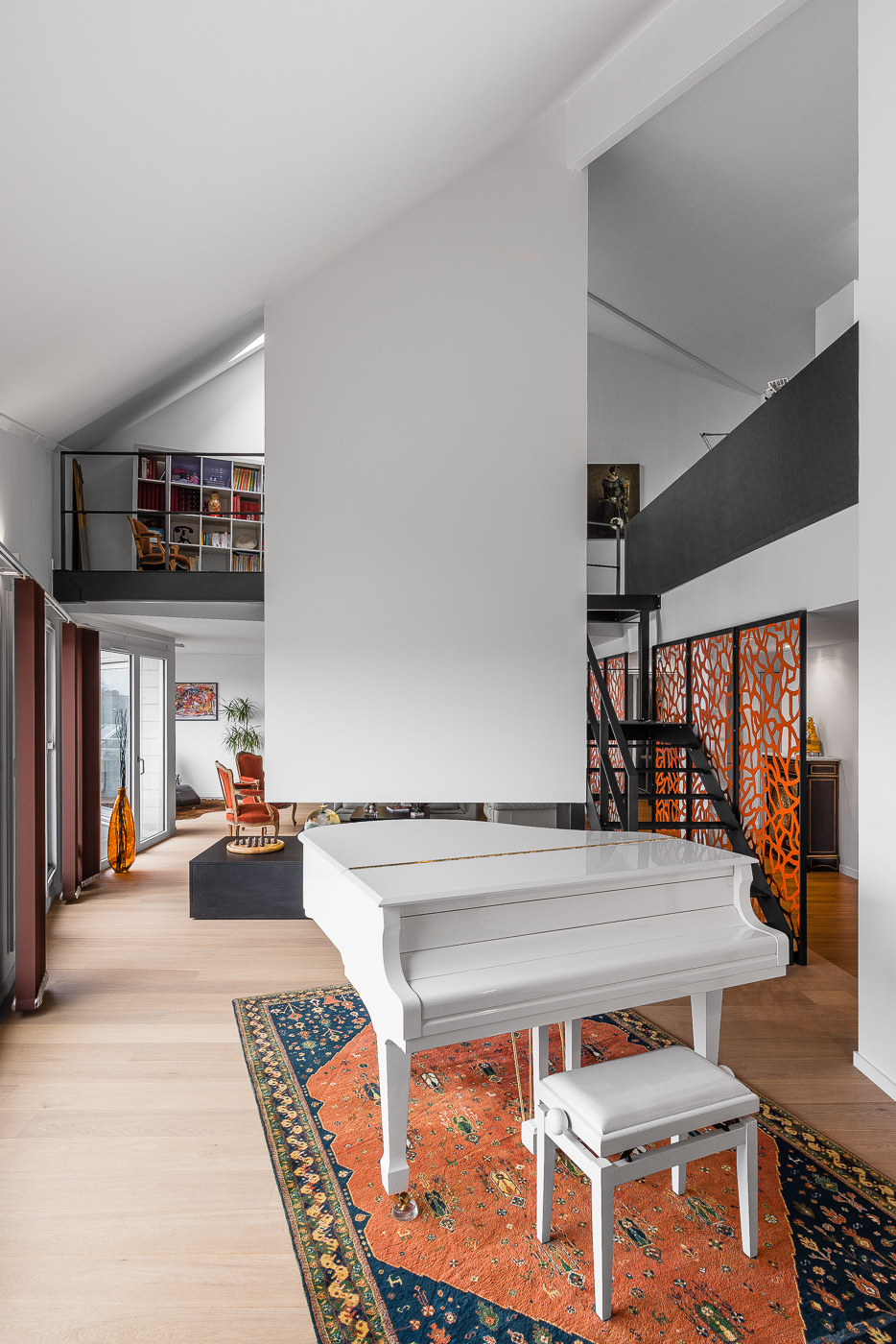 architecte lille PLUX loft duplex industriel poutre métal brut charpente parquet cuisine ilot piano à queue décoration intérieur (5)